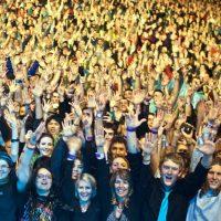 brisbane-crowd-by-dz