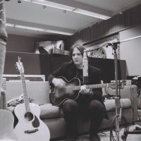 ian-guitar-c-darren-middleton